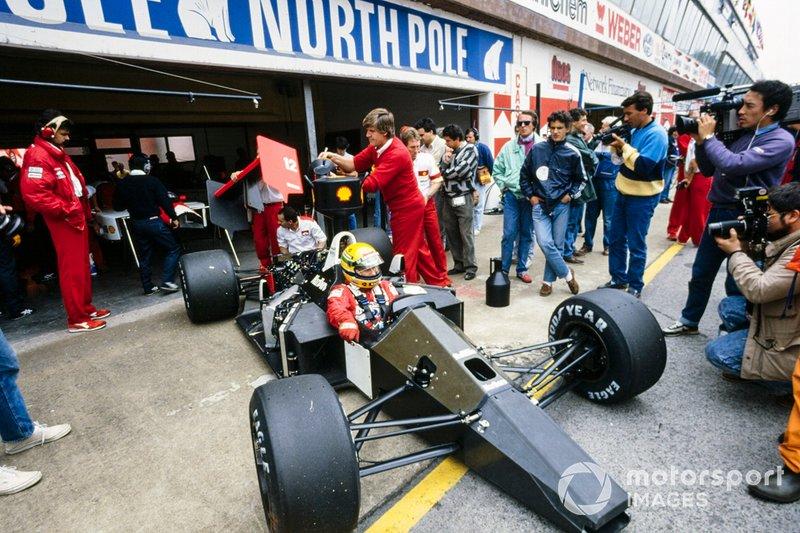 Mas Japão-88 será sempre lembrado pelo grande show de Senna. Quando conquistou o título, o brasileiro tinha o maior número de vitórias em uma só temporada, superando Prost em 1984 e Clark em 1963, com sete cada um