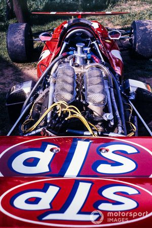La parte trasera del Alfa Romeo March 711 de Andrea de Adamich