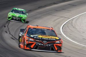 Martin Truex Jr., Joe Gibbs Racing, Toyota Camry Bass Pro Shops, Kyle Busch, Joe Gibbs Racing, Toyota Camry Interstate Batteries