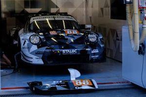 #88 Dempsey-Proton Racing Porsche 911 RSR: Gian Luca Giraudi, Ricardo Sanchez, Lucas Legeret