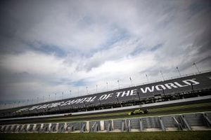 Josef Newgarden, Team Penske Chevrolet, Charlie Kimball, A.J. Foyt Enterprises Chevrolet, The Racing Capital of the World