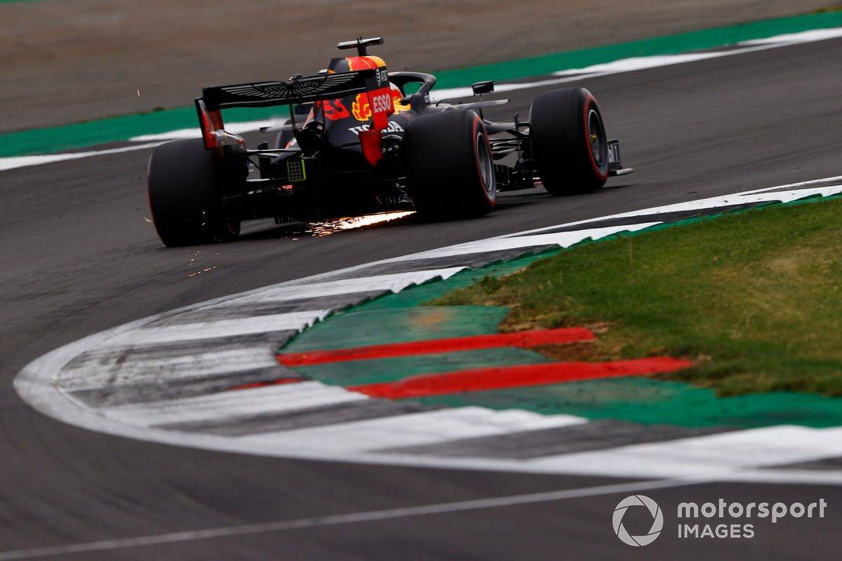 Red Bull инструктирует Ферстаппена незадолго до второго пит-стопа