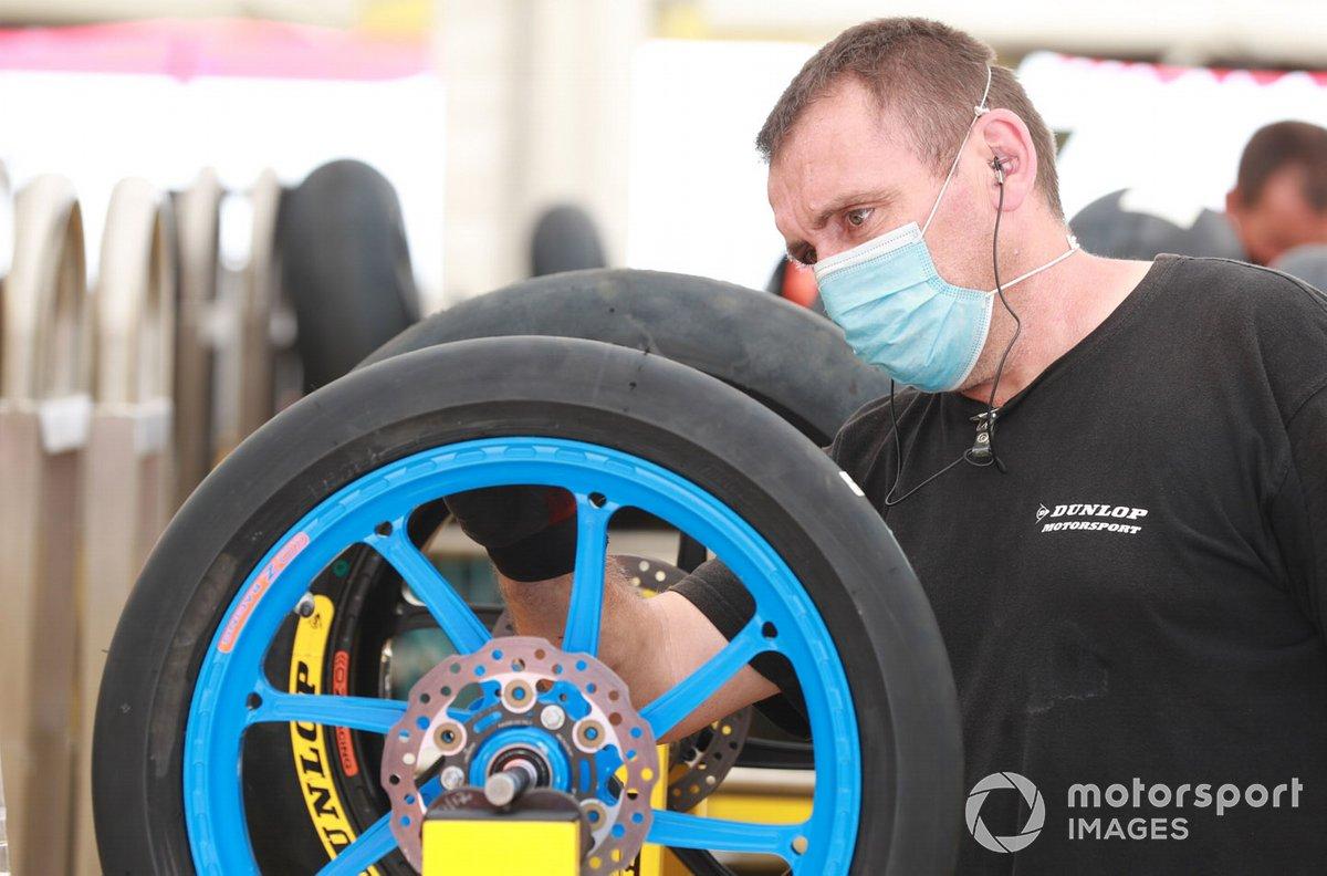 Técnico de neumáticos Dunlop