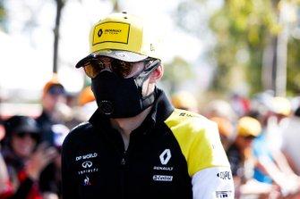 Esteban Ocon, Renault F1 Team, wears a safety mask
