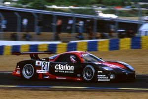 #21 Nissan Motorsport Nissan R390 GT1: Martin Brundle, Jörg Müller, Wayne Taylor