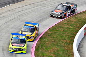 Matt Crafton, ThorSport Racing, Ford F-150 Chi-Chis/Menards, Grant Enfinger, ThorSport Racing, Ford F-150 Protect the Harvest, Todd Gilliland, Kyle Busch Motorsports, Toyota Tundra JBL/SiriusXM