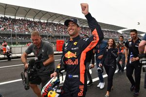 Pole sitter Daniel Ricciardo, Red Bull Racing celebrates in Parc Ferme