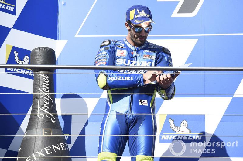 Podium: segundo clasificado Andrea Iannone, Team Suzuki MotoGP