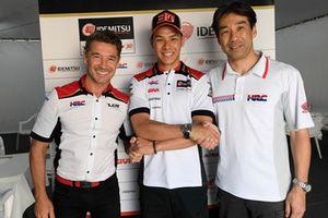 Lucio Cecchinello, LCR Honda Team Principal, Takaaki Nakagami, Tetsuhiro Kuwata, HRC Director