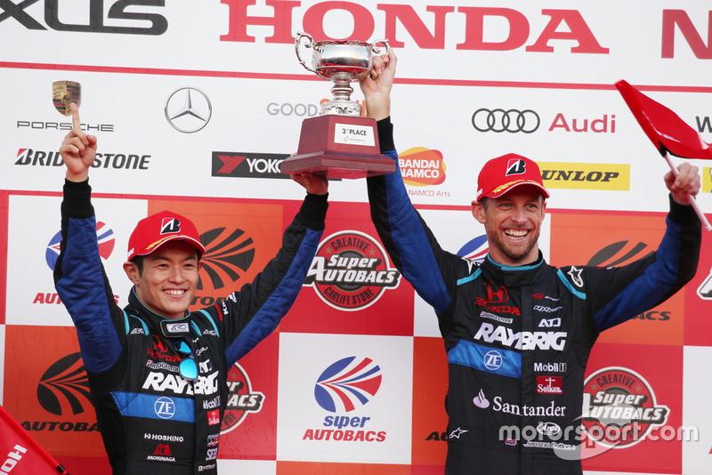 #100 RAYBRIG NSX-GT (Naoki Yamamoto dan Jenson Button)