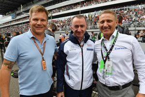 Boris Rotenberg, Paddy Lowe, Williams y Mika Salo en la parrilla