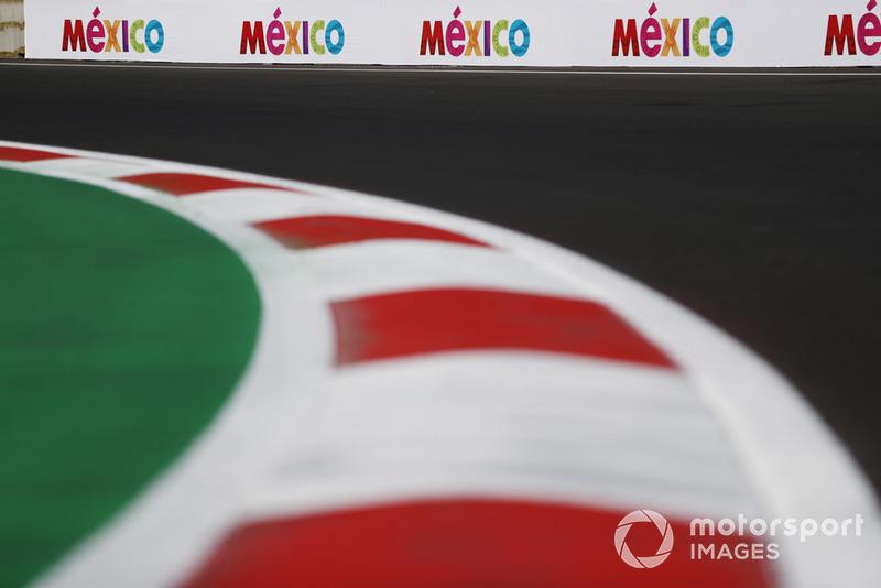 Les logos de Mexico sur le circuit