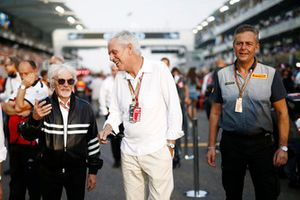 Bernie Ecclestone, Chairman Emeritus of Formula 1, Marco Tronchetti Provera, Pirelli, and Mario Isola, Racing Manager, Pirelli Motorsport on the grid