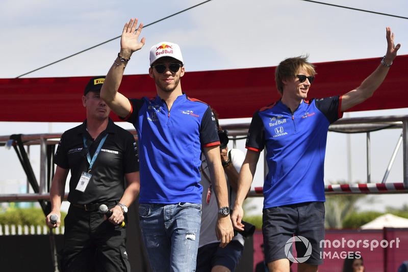 Gasly foi o escolhido para a vaga do australiano, enquanto Hartley foi dispensado e foi para a Ferrari como piloto de simulador, antes de assinar pela Dragon na F-E e correr no WEC. Em seus lugares, a Toro Rosso contratou Albon e Kvyat, que recebeu nova chance na F1.