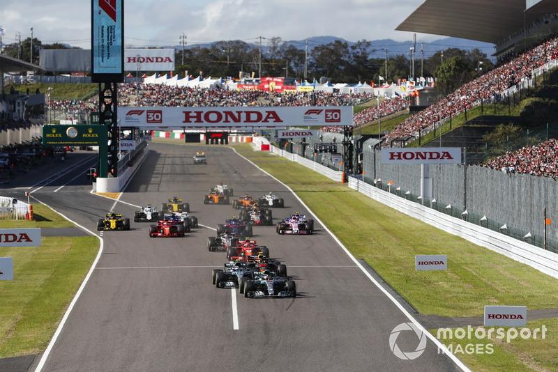 Льюис Хэмилтон и Валттери Боттас, Mercedes AMG F1 W09, Макс Ферстаппен, Red Bull Racing RB14