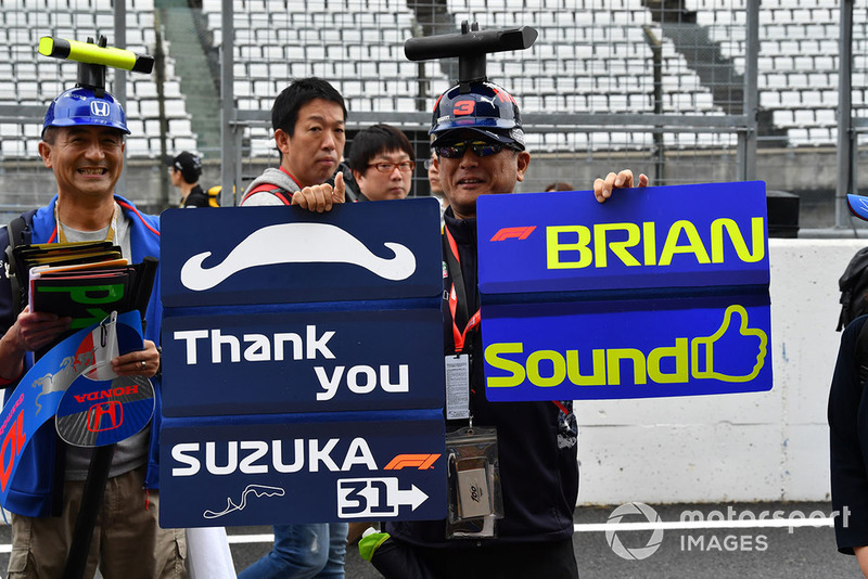 Fan and banner