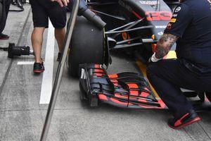 Max Verstappen, Red Bull Racing RB14, voorvleugel detail