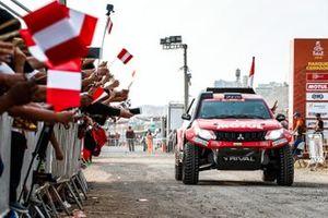 #387 Mitsubishi: Francisco Leon, Tomas Hirahoka