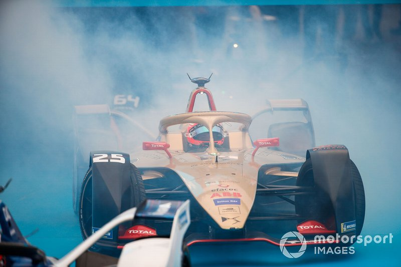 Jean-Eric Vergne, DS TECHEETAH, DS E-Tense FE19 pulls up in front of the podium