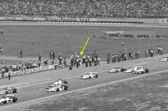 Hans Heyer, Penske PC4 Ford hides at the race start