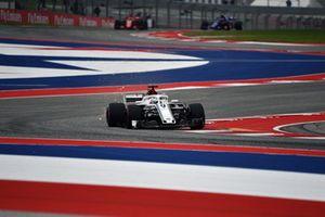 Marcus Ericsson, Sauber C37, solleva scintille