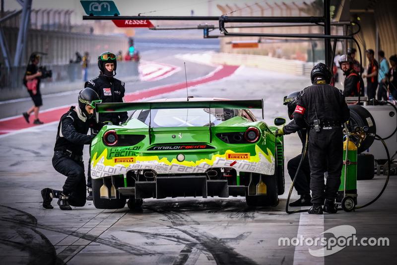 #333 Германия, Rinaldi Racing Ferrari 488 GT3: Александр Маттшулль, Нико Бастиан