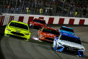 Ryan Blaney, Team Penske, Ford Fusion, Daniel Suarez, Joe Gibbs Racing, Toyota Camry