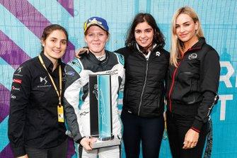 Tatiana Calderon, DS TECHEETAH, Jamie Chadwick, NIO Formula E Team, Carmen Jorda, Nissan e.Dams pose with Alice Powell, Jaguar VIP