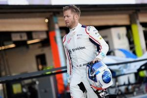 Sam Bird, Envision Virgin Racing, in the pit lane