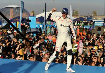 Robin Frijns, Envision Virgin Racing, 2nd position, celebrates on the podium