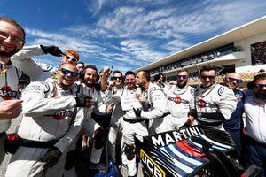 Williams-monteurs op de grid