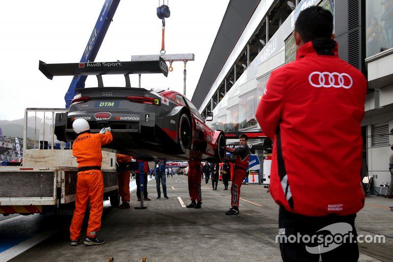 Loic Duval, Audi Sport Team Phoenix Audi RS5 DTM después del accidente