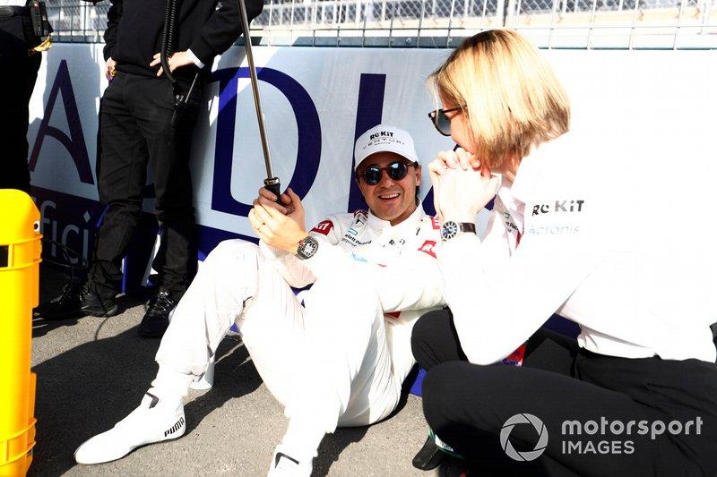 Felipe Massa, Venturi con Susie Wolff, Team Principal, Venturi, in griglia di partenza