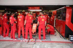Charles Leclerc, Ferrari SF90, pit area