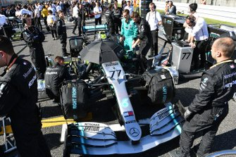 Valtteri Bottas, Mercedes AMG W10, on the grid