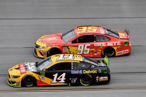 Clint Bowyer, Stewart-Haas Racing, Ford Mustang Rush / Mobil Delvac 1 and Matt DiBenedetto, Leavine Family Racing, Toyota Camry One Bite