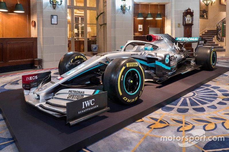 Decoración nueva del coche de Mercedes para 2020