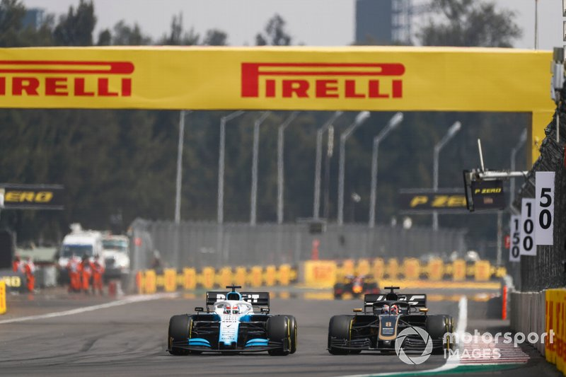 George Russell, Williams Racing FW42, lotta con Romain Grosjean, Haas VF-19