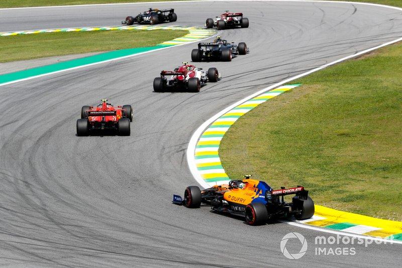 Kevin Magnussen, Haas F1 Team VF-19, precede Antonio Giovinazzi, Alfa Romeo Racing C38, Charles Leclerc, Ferrari SF90, e Lando Norris, McLaren MCL34