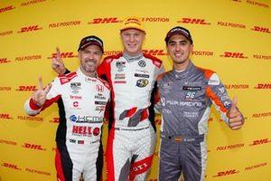 Первая тройка в квалификации: обладатель поула Йохан Кристофферссон, SLR Volkswagen, второе место – Тьягу Монтейру, KCMG, третье место – Микель Аскона, PWR Racing