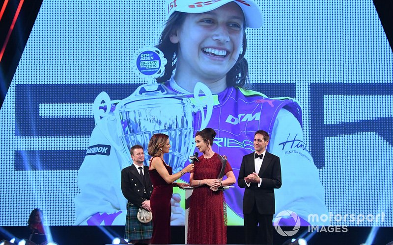 Catherine Bond Muir riceve il Pioneering and Innovation Award per la W Series