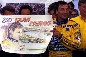 Riccardo Patrese, Benetton, festeggia il suo 250esimo Gran Premio, al GP di Germania del 1993