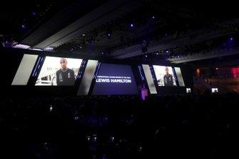 Presentatie van de International Racing Driver of the Year award voor Lewis Hamilton, Mercedes AMG F1