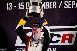 Podio: ganador Johan Kristoffersson, SLR Volkswagen Volkswagen Golf GTI TCR