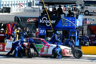 Ryan Preece, JTG Daugherty Racing, Chevrolet Camaro Natural Light Seltzer pit stop
