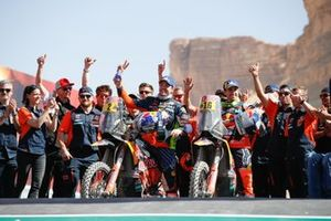 #2 Red Bull KTM Factory Racing: Matthias Walkner, #16 Red Bull KTM Factory Racing: Luciano Benavides