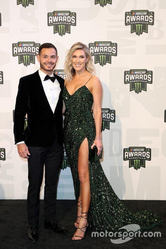 Kyle Larson y su esposa Katelyn