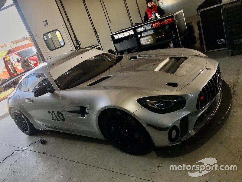 Mercedes AMG GT4, V-Action
