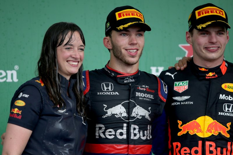 Podio: Il vincitore della gara Max Verstappen, Red Bull Racing, secondo classificato Pierre Gasly, Toro Rosso, Hannah Schmitz, Red Bull Racing Strategy Engineer