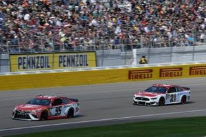 Matt DiBenedetto, Leavine Family Racing, Toyota Camry Dumont JETS Paul Menard, Wood Brothers Racing, Ford Mustang Motorcraft / Quick Lane Tire & Auto Center